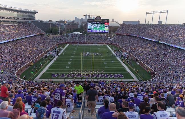 Vikings Debut at TCF Bank Stadium