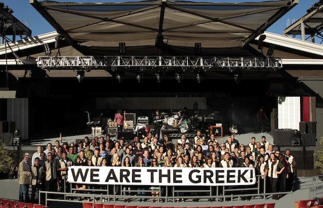 'Crowdbacking' Nederlander at The Greek