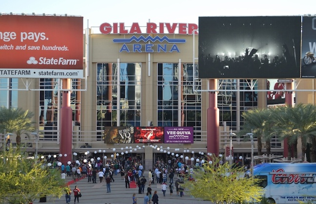 Glendale and Coyotes Reach Uneasy Truce